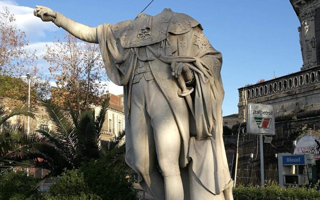 Le statue decapitate