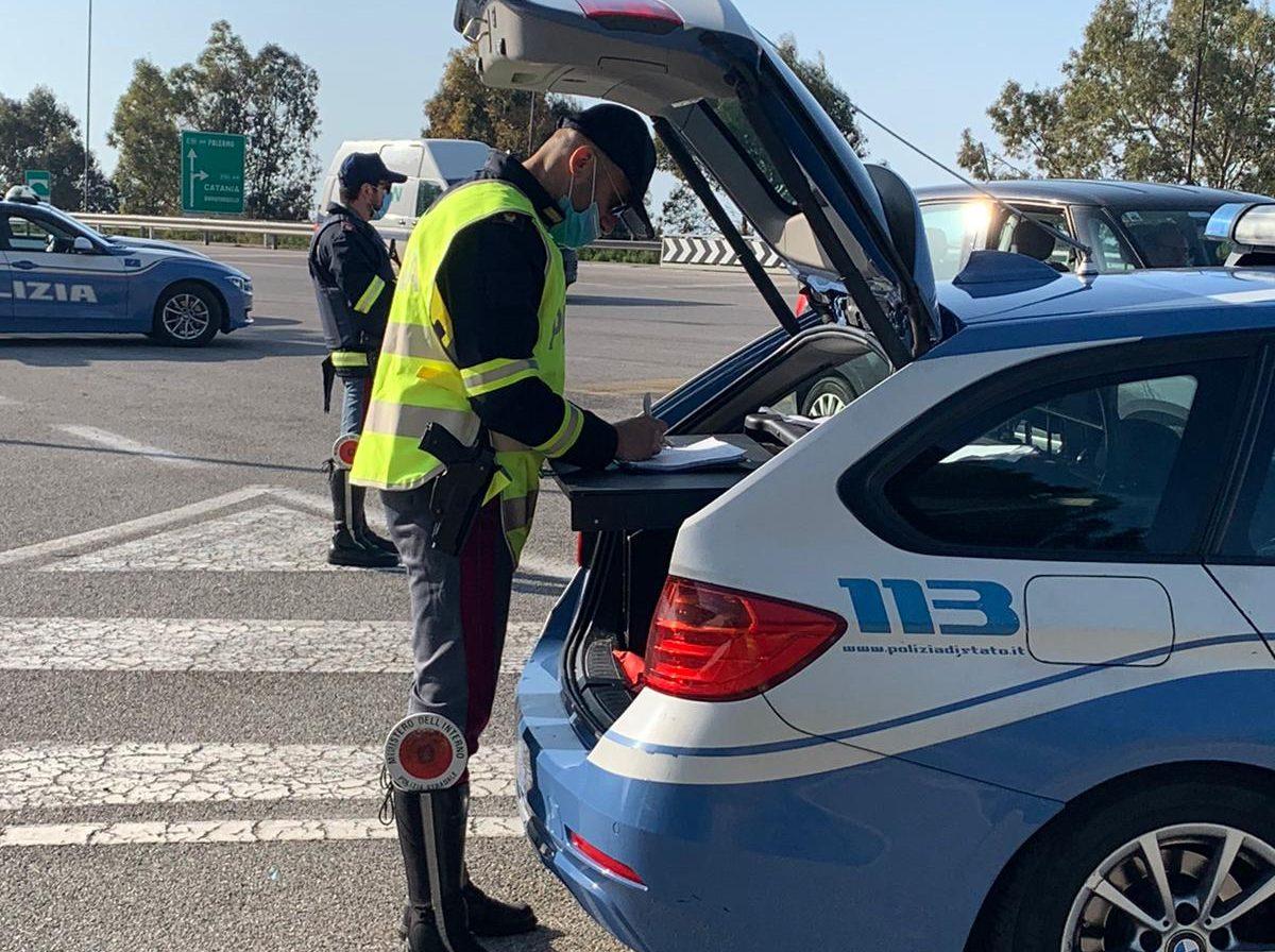 Polizia Stradale: serrati controlli lungo le arterie stradali e autostradali