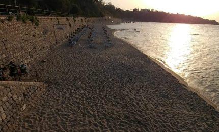 Cefalù, spiagge già deserte: l'ordinanza di Lapunzina dà i suoi effetti