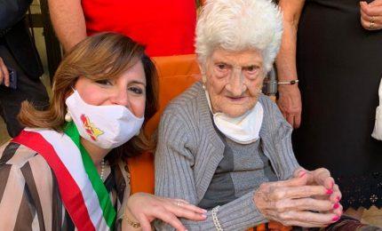 Festeggiati a Campofelice i cento anni di Giuseppa Grispino Leanza, la nonna e amica di tutti